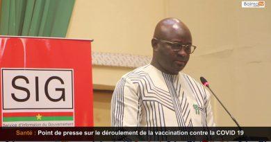 Point de presse sur le deroulement de la vaccination contre la COVID 19